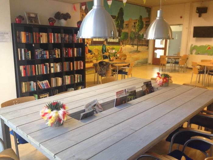Boekenkast Voor Uitnodigend : De buurtkiep